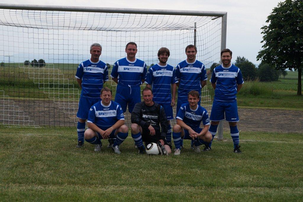 FKD-Mannschaftsfoto-Fussballgruppe-Thomas-Minow-2016.JPG