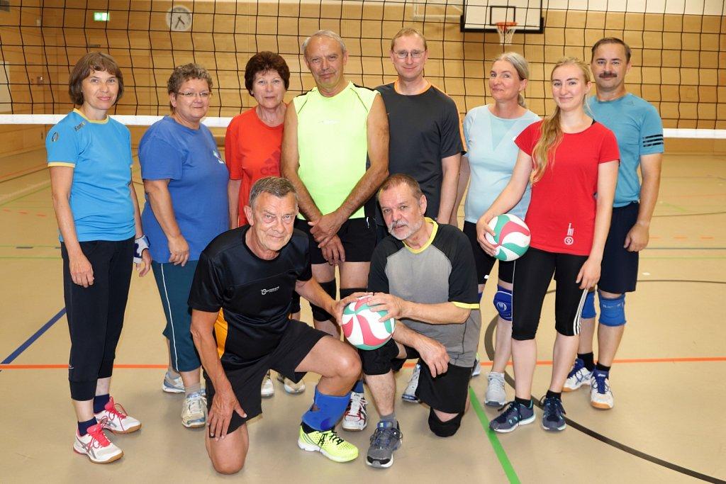 Volleyballgruppe-Meitzner.JPG